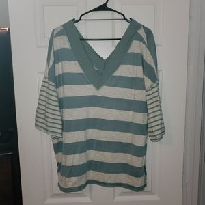 Worn once, super cute and comfy Daytrip top